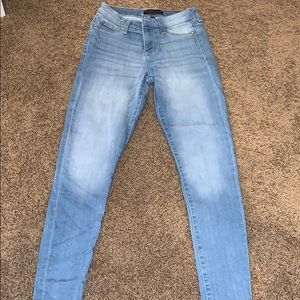 Light wash super stretch jeans